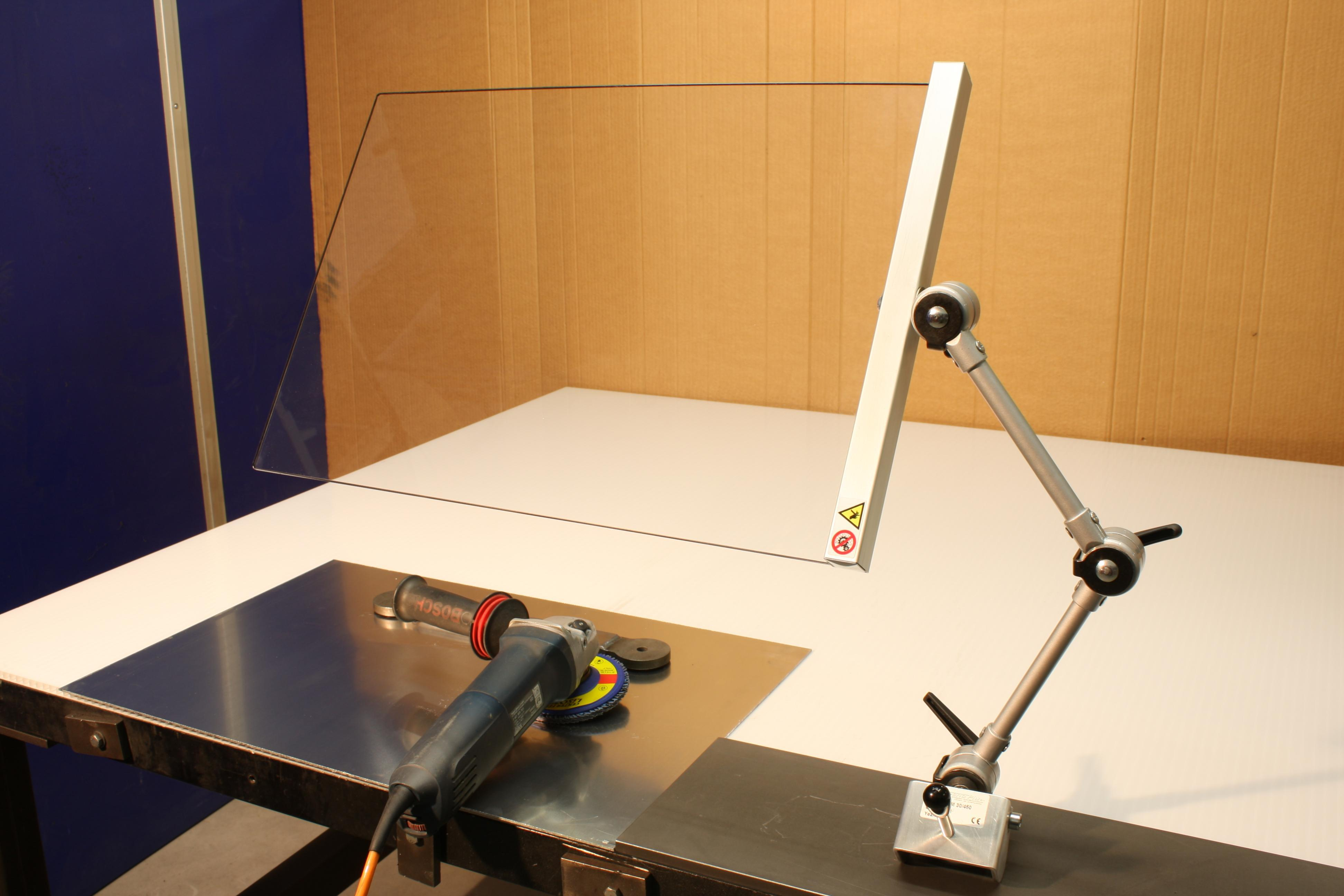Machine Guard With Magnetic Base